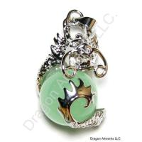 Attractive Jade Silver Pendant of Dragon